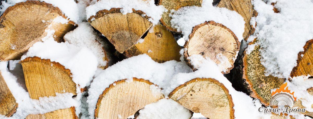 Хранение дров зимой
