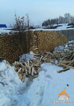 березовые дрова зимой