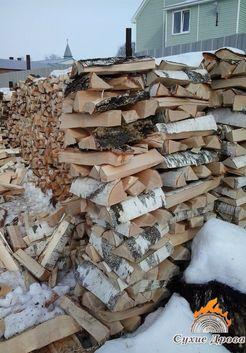 березовые дрова на участке